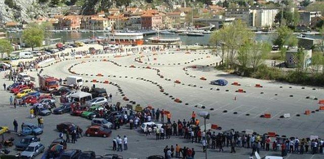 Priko, parking