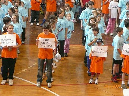 Mlade dugoratske rukometne nade na turniru u Karlovcu