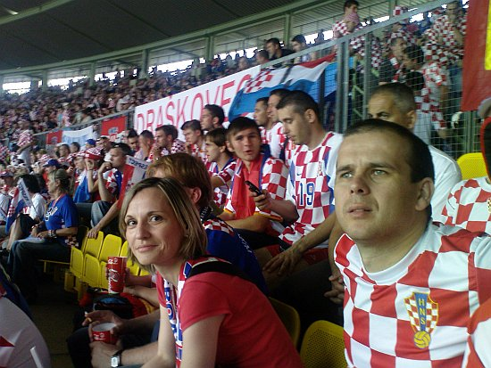 Detalj s utakmice s Njemačkom u Klagenfurtu - Matko Balić, Mirela Bogdan