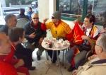Makedonski rukometni navijači  na kavi u Dugom Ratu