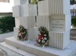 polaganje vijenaca pred dugoratskim spomenikom braniteljima