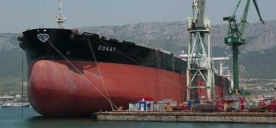 brod u škveru