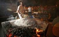 Poljičanke pripremaju soparnik u Dugom Ratu