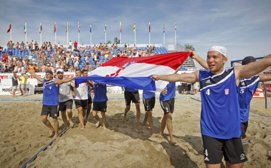 Ivo Sanader i Dragan Primorac čestitali su hrvatskim rukometašima i rukometašicama na osvojenim odličjima na Europskom prvenstvu u rukometu na pijesku