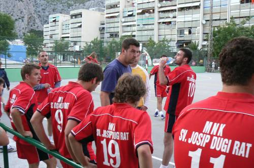 Mali nogomet u Omišu