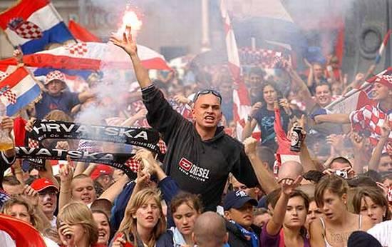 Pakleni rukometaši - Zabavi se uz igre reprezentacije Hrvatske
