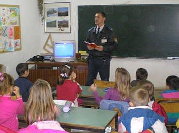 policajac u školi