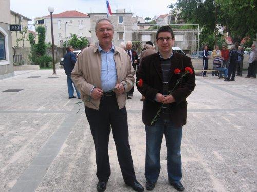 Neven Mimica i Gracijano Kalebić na proslavi Prvog maja u Dugom Ratu