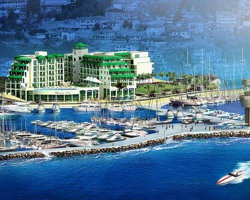 Resort s marinom