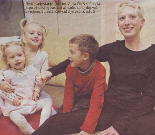 mr. Vanja Čikeš Keč s djecom