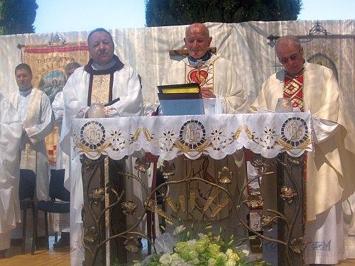 Zlatna misa don Jure Juginovića